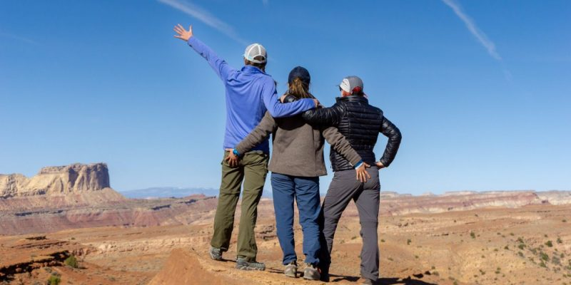how to make outdoorsy friends