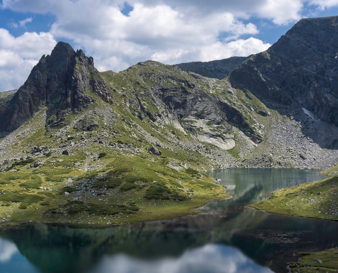 rila lakes hike in bulgaria