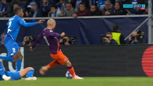 Silva saves City