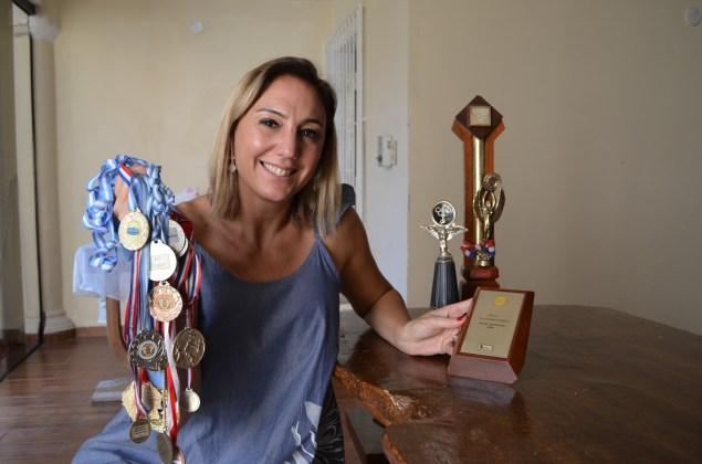 Carolina Tovar (42), recordista nacional en salto alto.