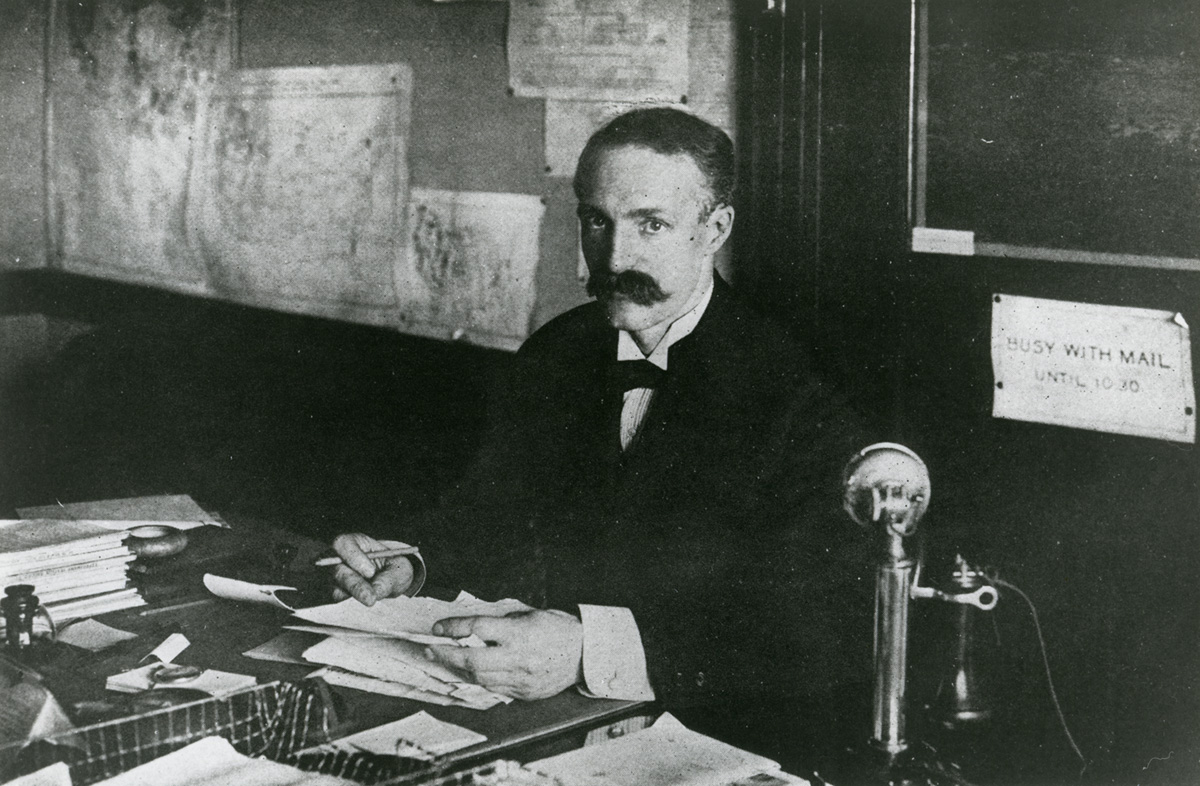 A native of simsbury, connecticut, gifford pinchot graduated from yale university in 1889 and went on to study forestry in europe. Gifford Pinchot First Chief Carried Big Stick For Fpllab Notes