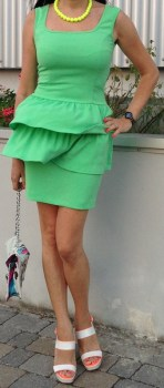 Abito Denny Rose verde outfit 2