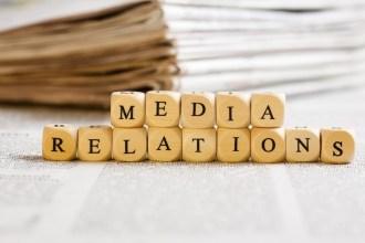 """""""Les attaché(e)s de presse d'aujourd'hui vont """"muter"""" en """"community média manager"""""""" Sarah Azan & Hannah Oiknine fondatrices de Babbler"""