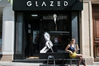 """""""Mon naturel confiant m'a permis d'affronter toutes les difficultés qui ont jalonné l'histoire de Glazed"""" Henri Guittet, fondateur des glaces Glazed"""