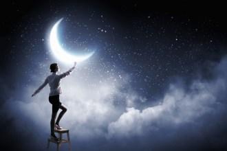 Faut il vraiment viser la lune pour réussir ?