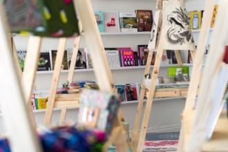 """""""Ma passion se transmet de manière organique et c'est comme ça que je conquiers le cœur de mes fidèles clients"""" Céline Debray fondatrice de la librairie Sérendipité"""