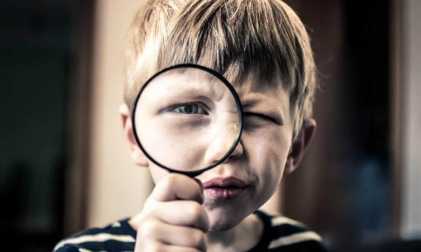 Encourage Curiosity With These 13 Excellent Magnifying Glass Options