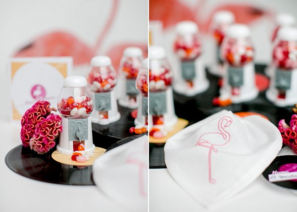 Abendkleider Vinyl pink und 50er Styled Shoot Rocking Flamingo By Thdresscom