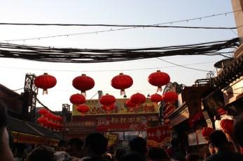 china-urlaub-erfahrungen-peking-kaiserlicher-himmelspalast-wanfuijing-gasse-44