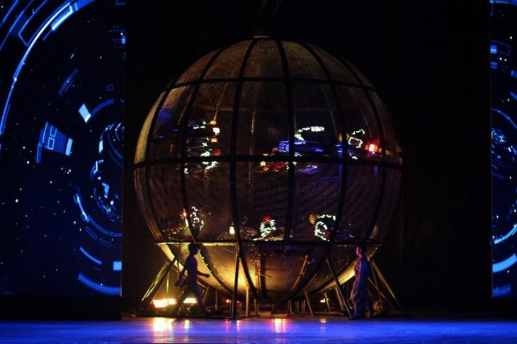 china-urlaub-erfahrungen-peking-drums-bells-tower-theater-artisten-show-2