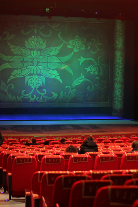 china-urlaub-erfahrungen-peking-drums-bells-tower-theater-artisten-show-21