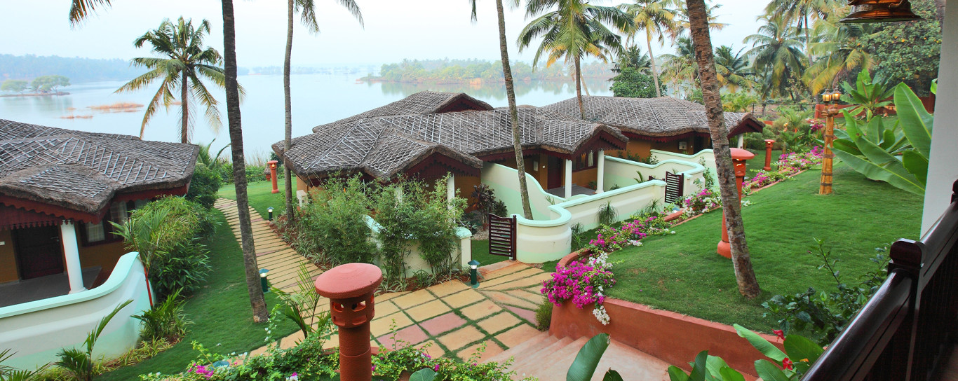 Luxury 4 Star Backwater Resort Ayurveda Spa In Kollam