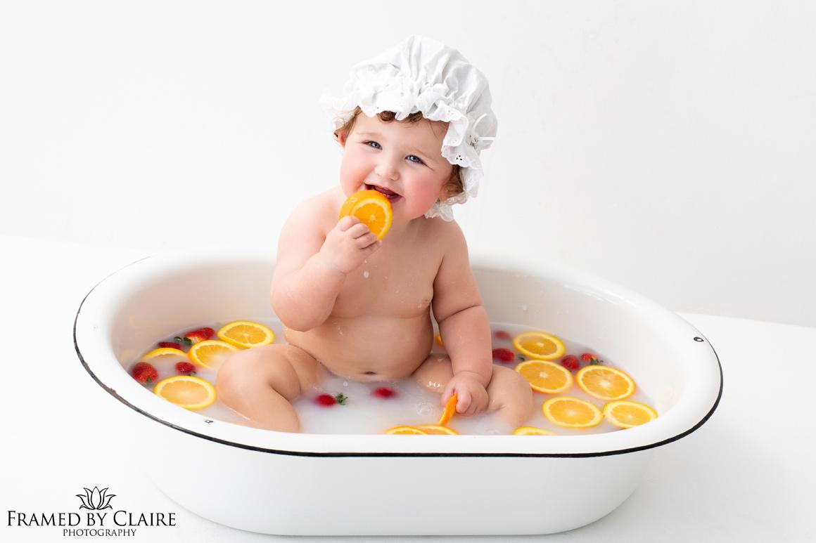Milk bath with fruit