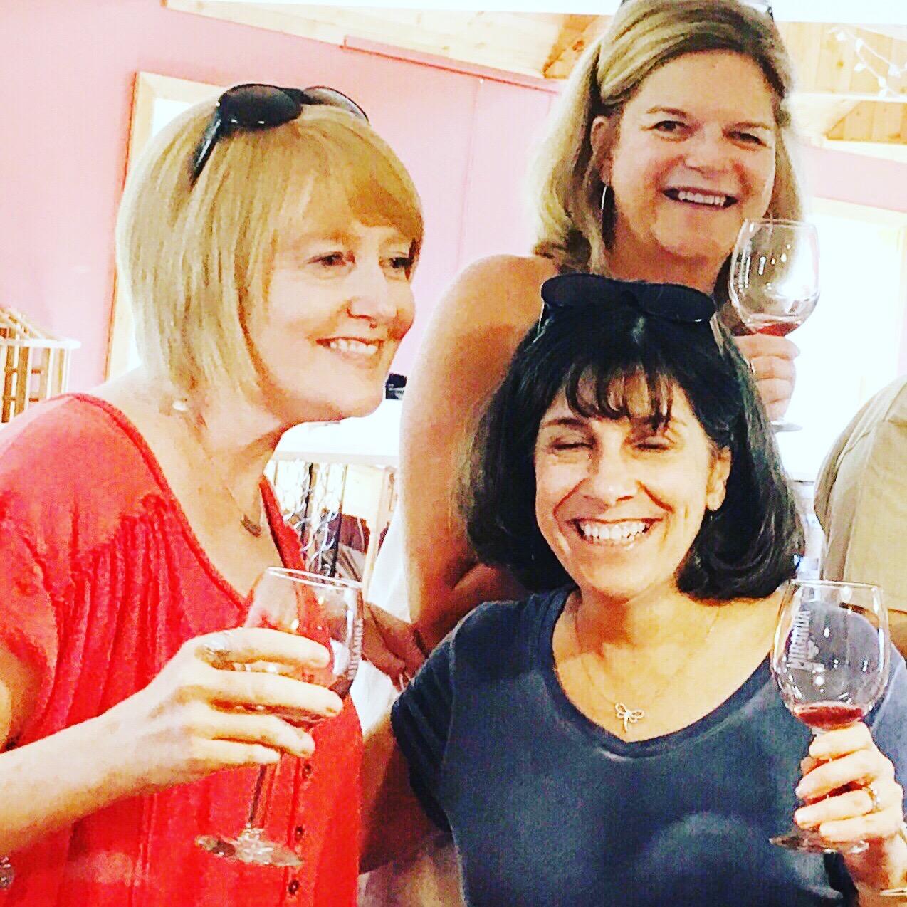 wine tasting girls