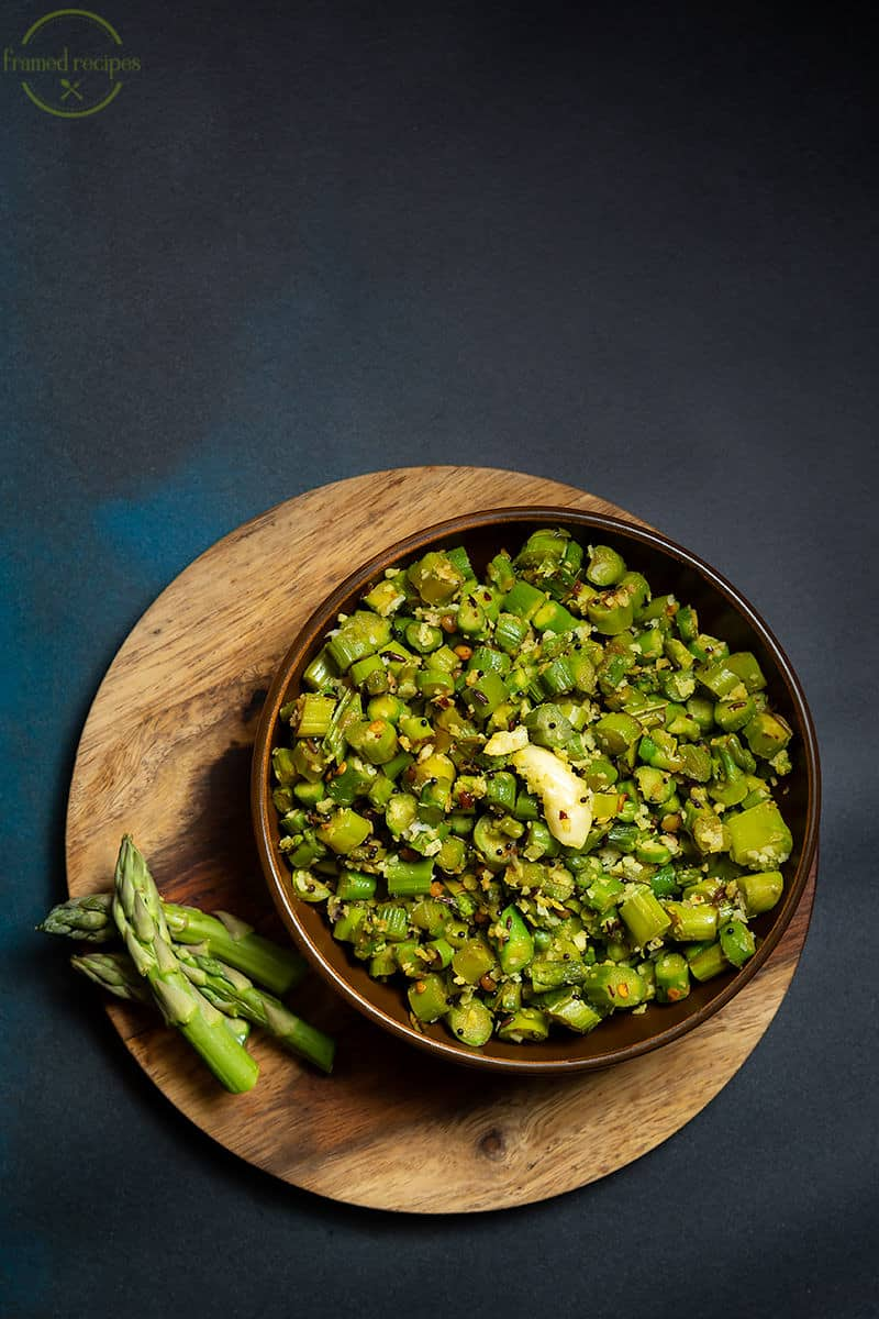 vegetarian asparagus stir fry with garlic