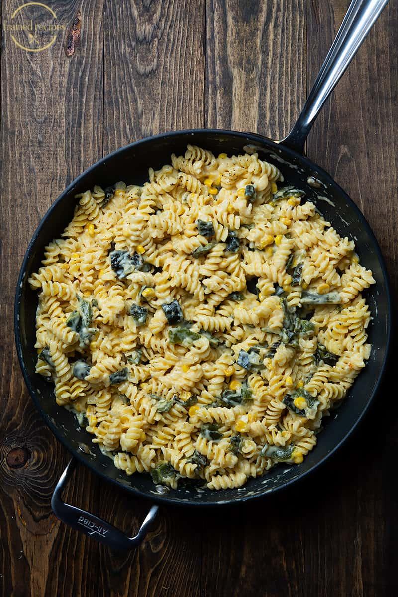 creamy poblano pepper pasta in the skillet