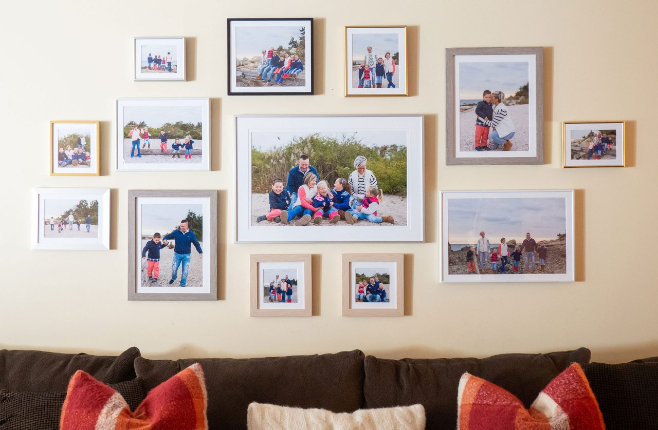 How To Create A Wall Collage Of Picture Frames
