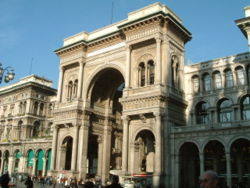 Ingresso della Galleria Vittorio Emanuele ll
