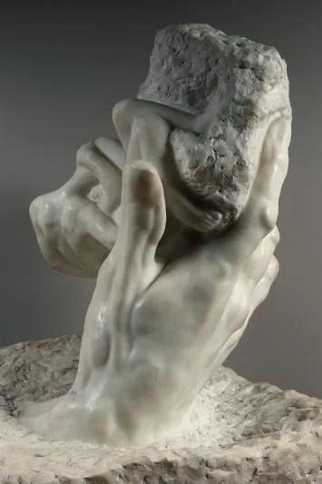 La Main de Dieu di Rodin