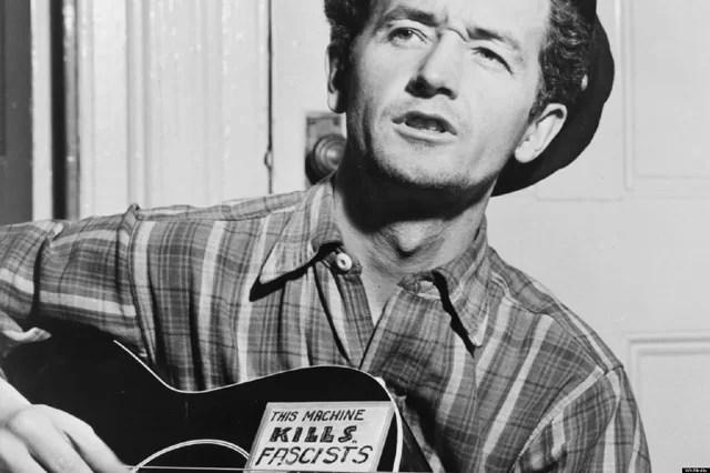 Woody Guthrie, il menestrello<br> dalla vita disperata <br>da cui sbocciò Bob Dylan