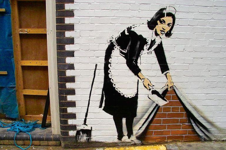 Liberato è Elena Ferrante ed Elena Ferrante è Banksy