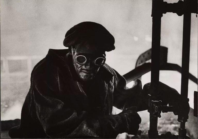 La retrospettiva su Eugene Smith, il fotografo che voleva catturare l'assoluto