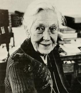 Doris Holmes Blake (Photo courtesy of the Smithsonian Institution)