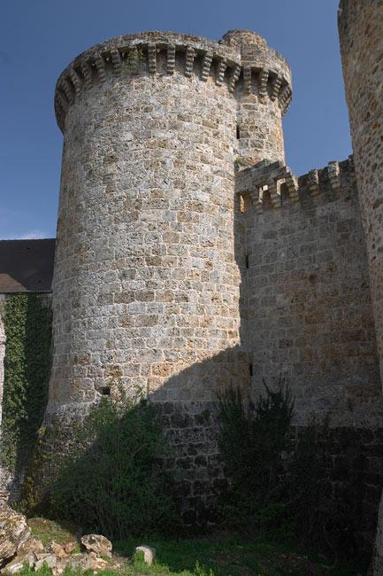 Madeleine castle round tower  Valle de Chevreuse  France in Photos