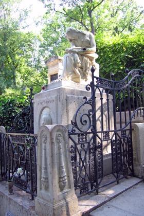 Père Lachaise Cemetary, Chopin's Grave