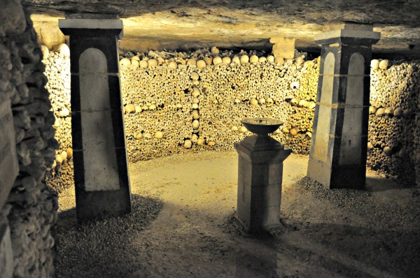 paris-catacombs-3