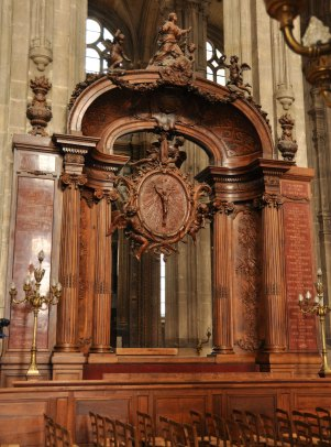 1720 wood sculpture by Pierre Lepautre: The Assumption of Saint Agnes