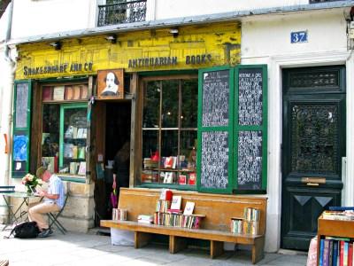 Shakespeare and Company English language bookstore
