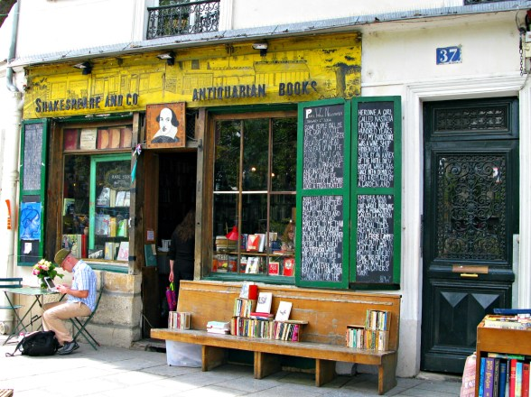 Shakespeare and Company English language bookstore