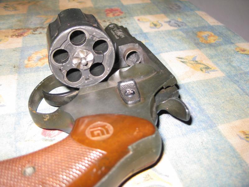 Troc Echange Revolver 9mm Grenaille Sur