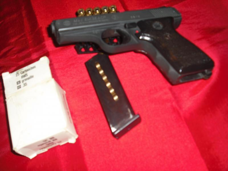 Troc Echange Pistolet Semi Automatique A GRENAILLE Sur