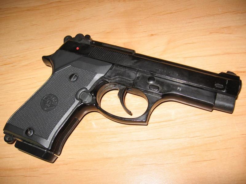Troc Echange Pistolet Beretta 9mm VALTRO Sur
