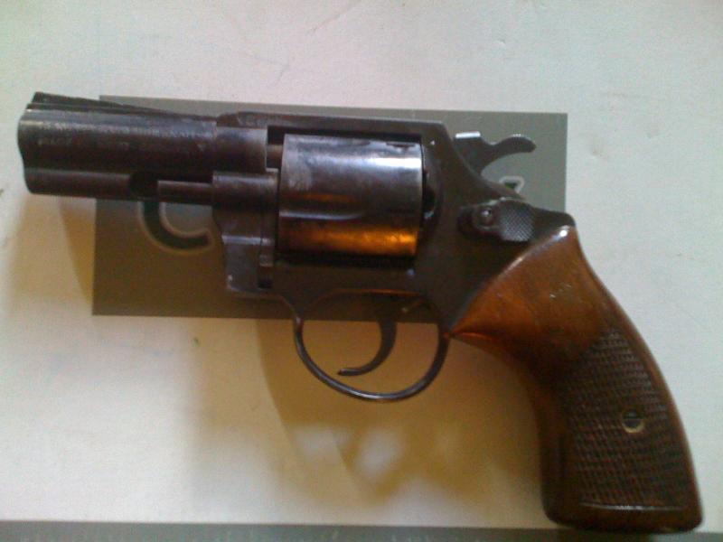 Troc Echange REVOLVER 9mm FLOBERT Sur
