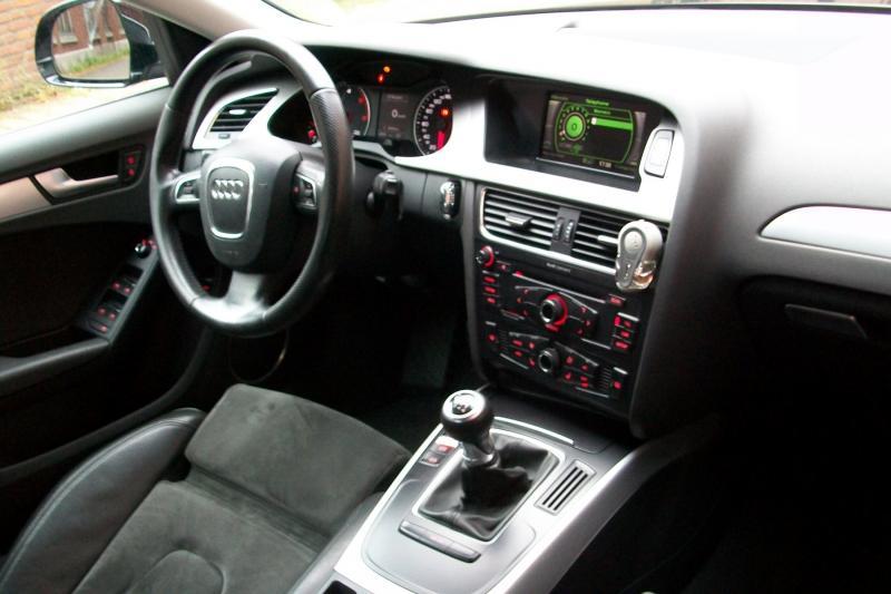 Troc Echange NOUVELLE AUDI A4 B8 20 TDI S LINE XENON LED CUIR sur FranceTroccom