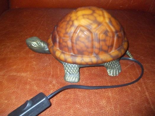Troc Echange Jolie lampe de chevet en forme de tortue sur FranceTroccom