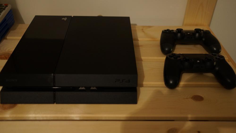 Troc Echange PS4 Noir 500 GO BO3GTA5FarCry5 Sur