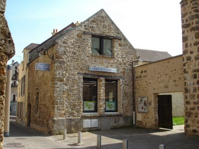 Tourist Office Of Chevreuse Information Point In Chevreuse