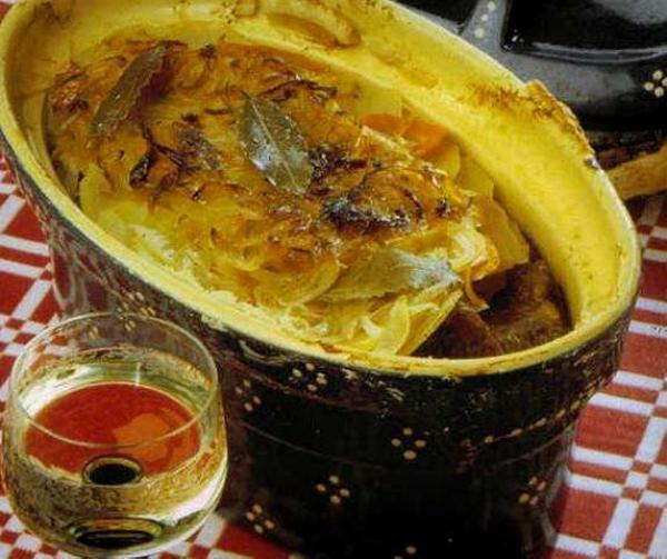 Il baeckeoffe stufato di carne e verdure  Guida Gastronomia e vacanze