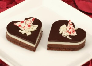61029-Three Chocolate Heart Mousse