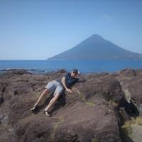 薩摩の浦島フランス男が開聞岳と龍宮神社伝説を指宿で