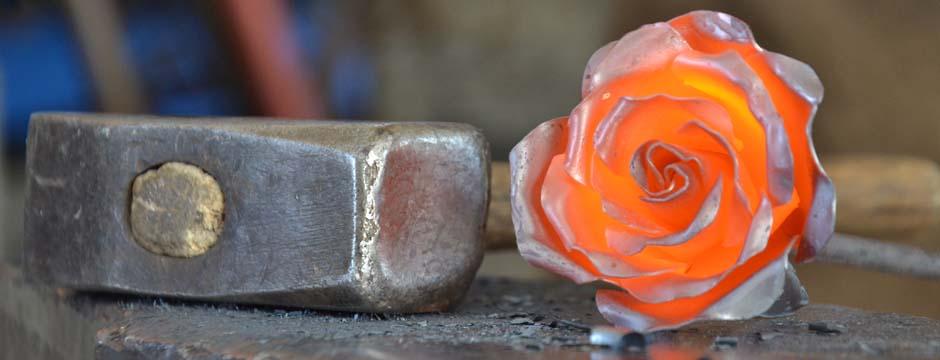 Francesca Frau  arredare con il ferro battuto in Sardegna