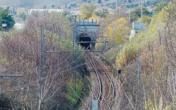 Treno deraglia nella tratta Paola-Cosenza per motivi tecnici: feriti e contusi