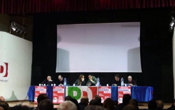 Mirto Crosia, al convegno Pd Magorno prende la parola e il pubblico si alza e se ne va