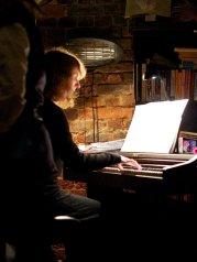 Venus s a Boy _ Gilly Slot, Piano