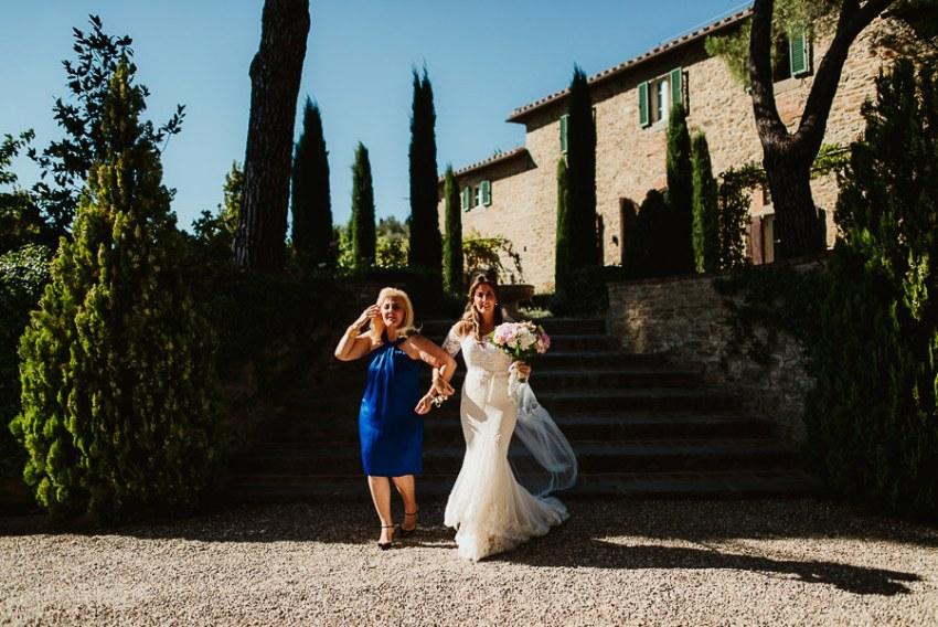 Villa wedding cortona outdoor ceremony