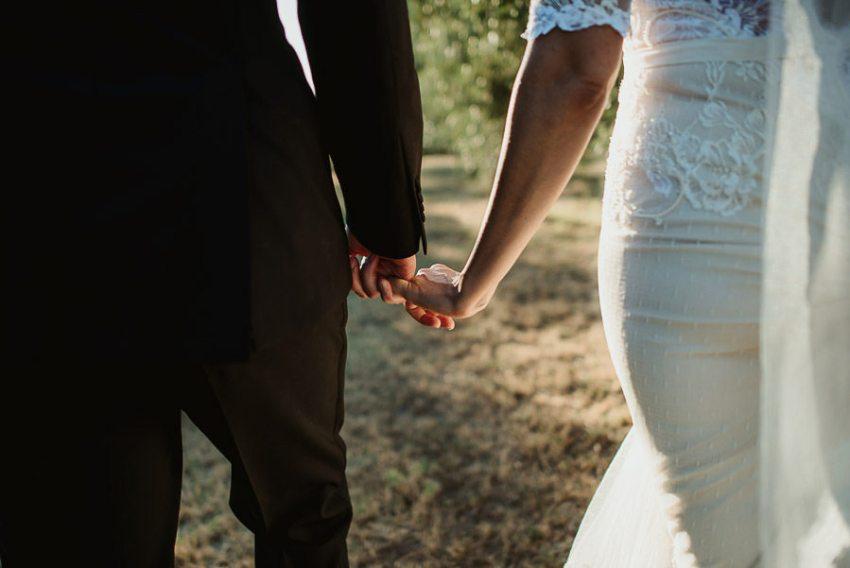 Villa wedding cortona bride groom olive tree vineyard portrait